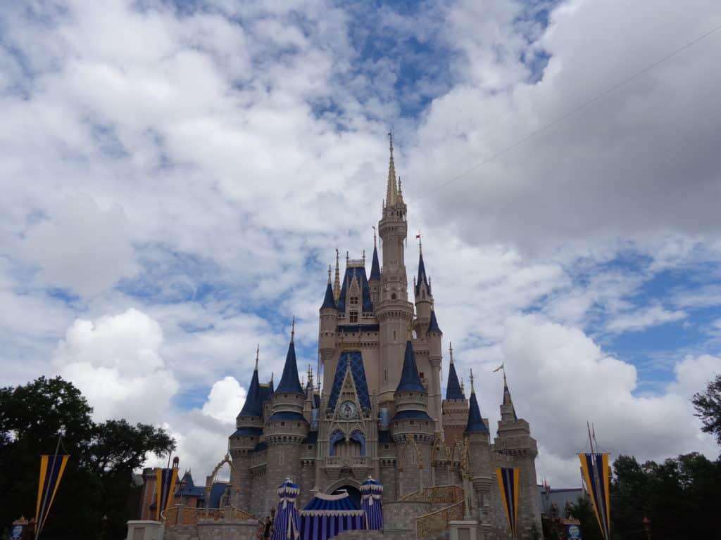 polkadotsandpixiedust.com walt disney world castle