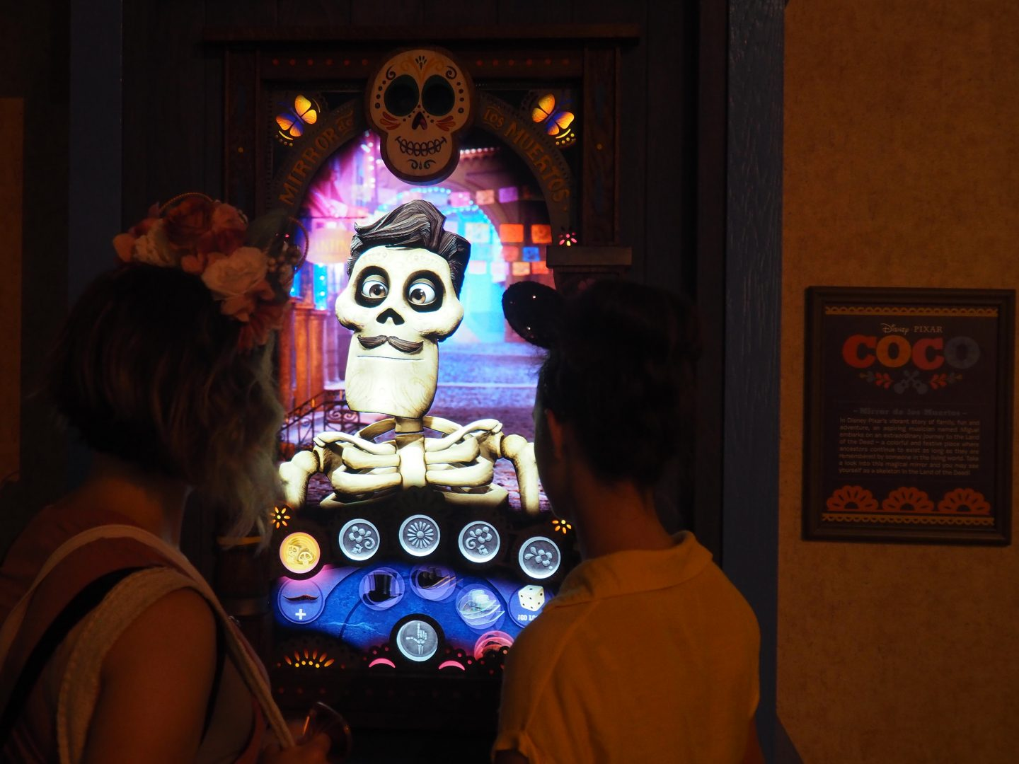 The Mirror de los Muertos at Epcot Mexico in Walt disney World, is a fun, free game at Disney. You dress up your skeleton, dance and get a picture together on the screen. #disneyfreegames #freedisney #disneyepcot #coco #cocoatwaltdisneyworld