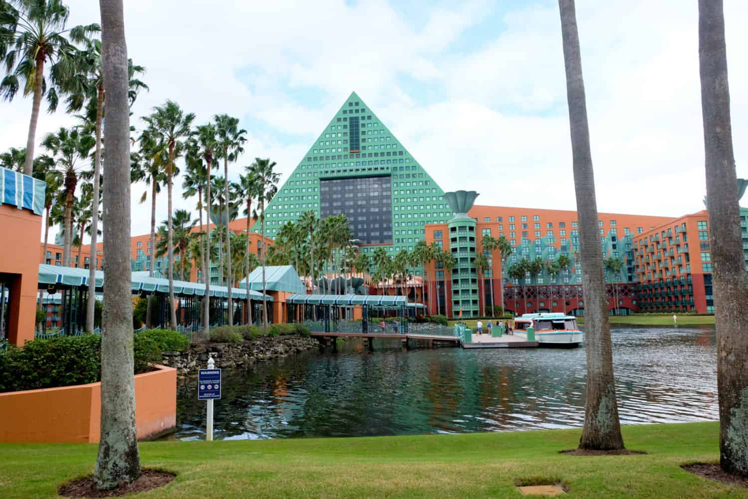 Dolphin Hotel A Disney Resort Review