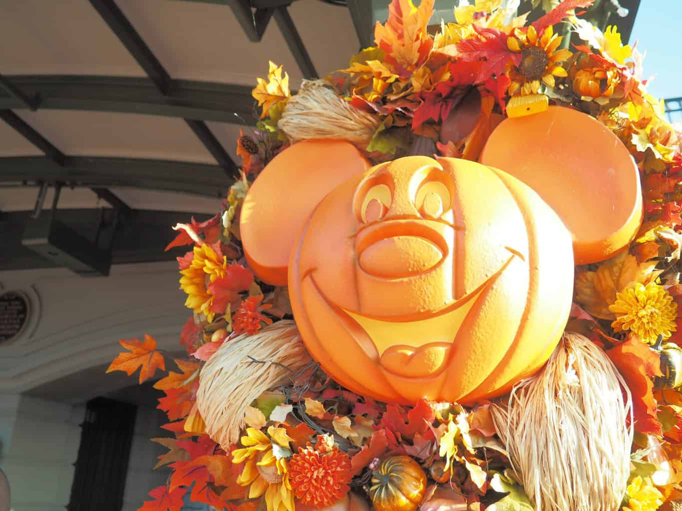 fall at walt disney world, fall disney, disney world halloween, walt disney world halloween, mickeys not so scary halloween party, mnsshp