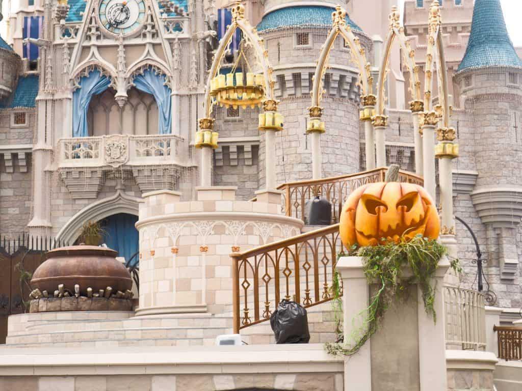 fall at walt disney world, fall disney, disney world halloween, walt disney world halloween, mickeys not so scary halloween party, mnsshp