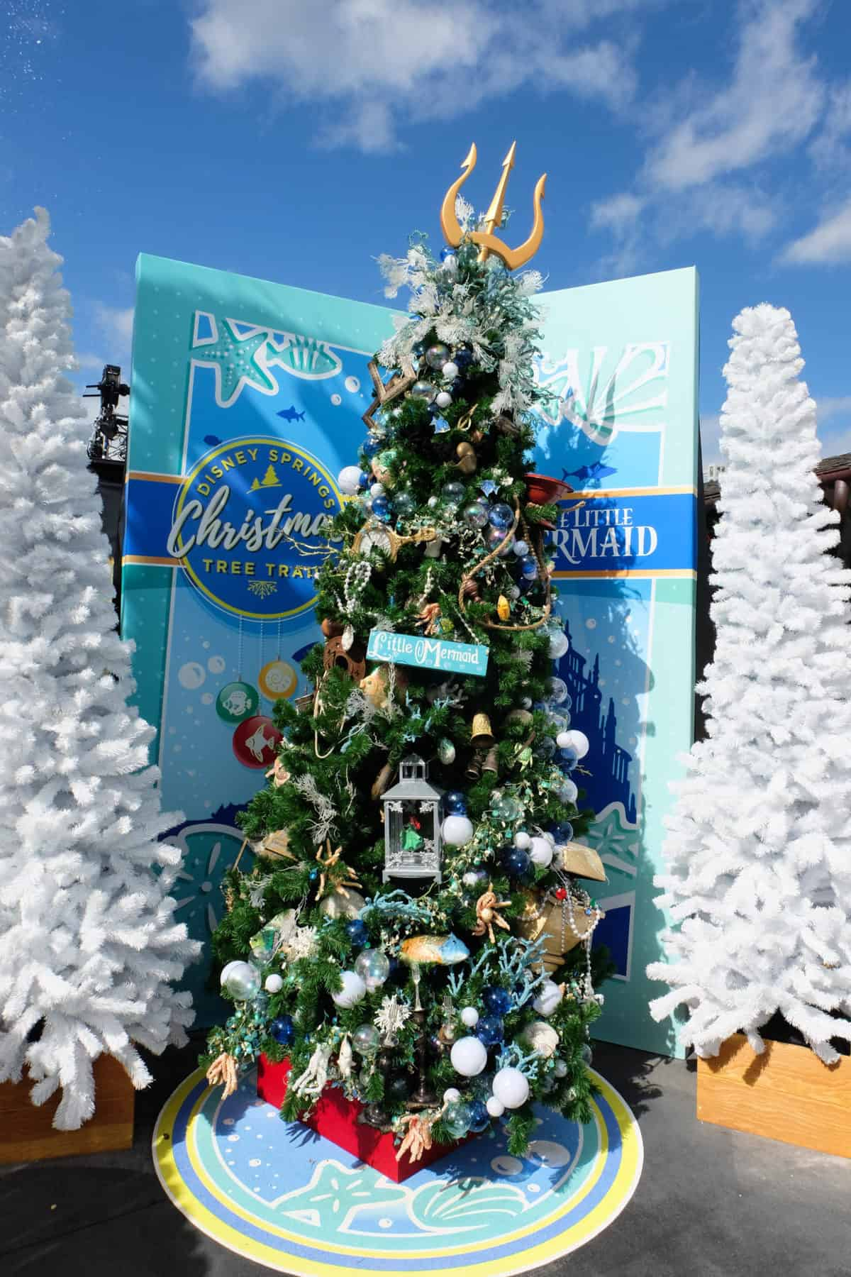 christmas st disney springs, disney springs christmas tree trail