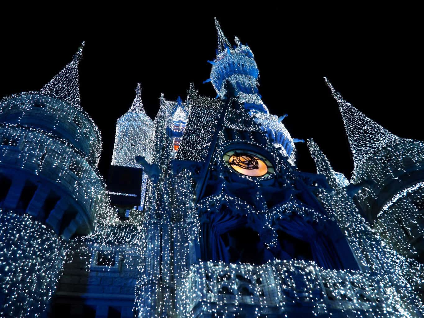disney christmas, christmas at disney, dreamlights, disney holiday