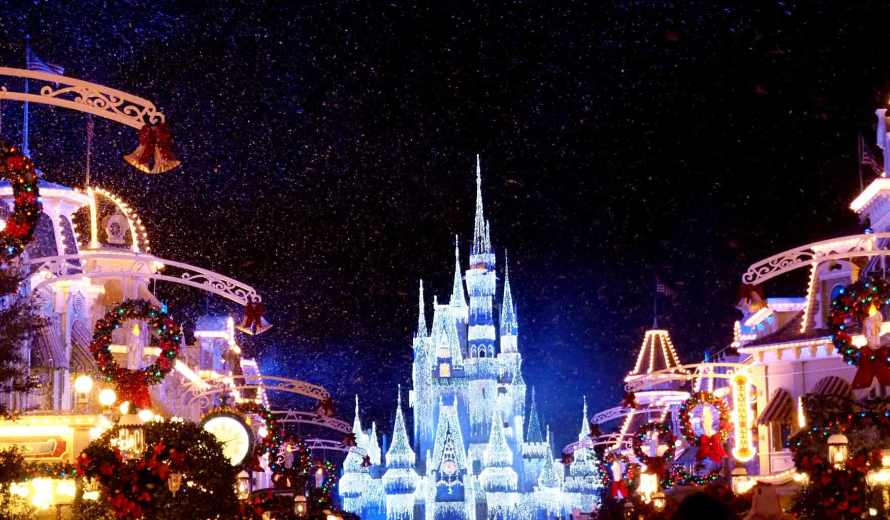 walt disney world dream lights a frozen wish