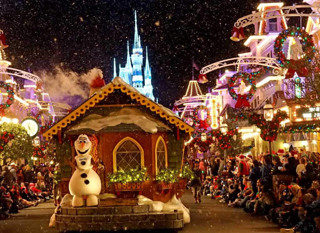 wdw very merry christmas parade olaf