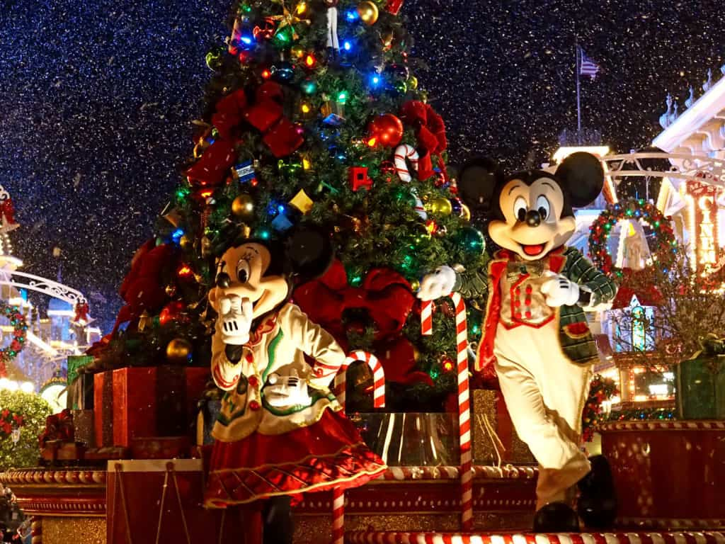 Walt Disney Christmas Wallpaper.Christmas At Walt Disney World A Beginners Guide Polka