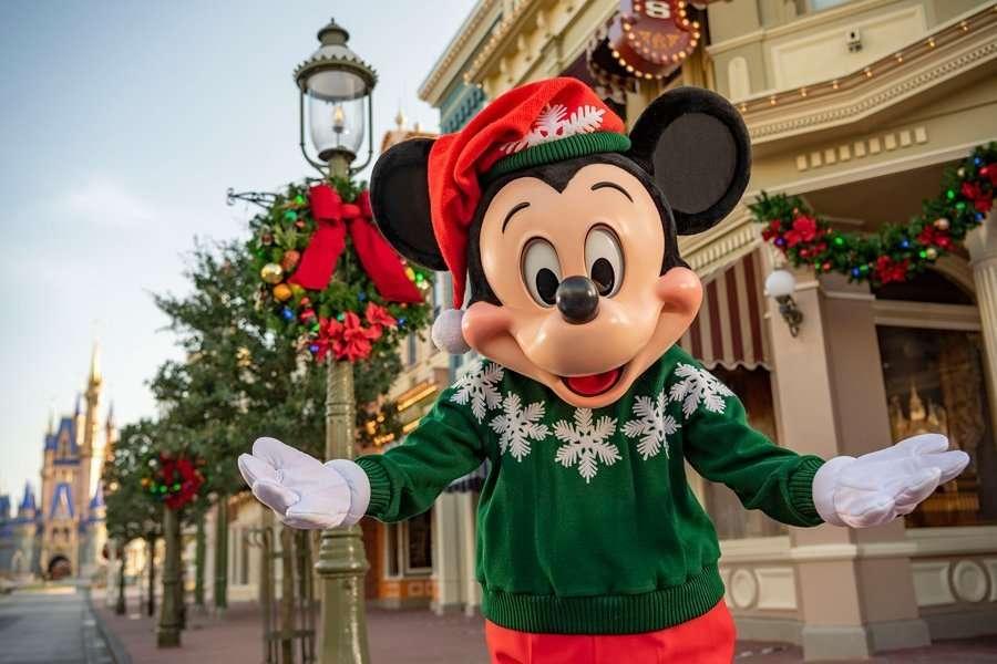 Mickey and Minnie's Christmas Sweater DIY