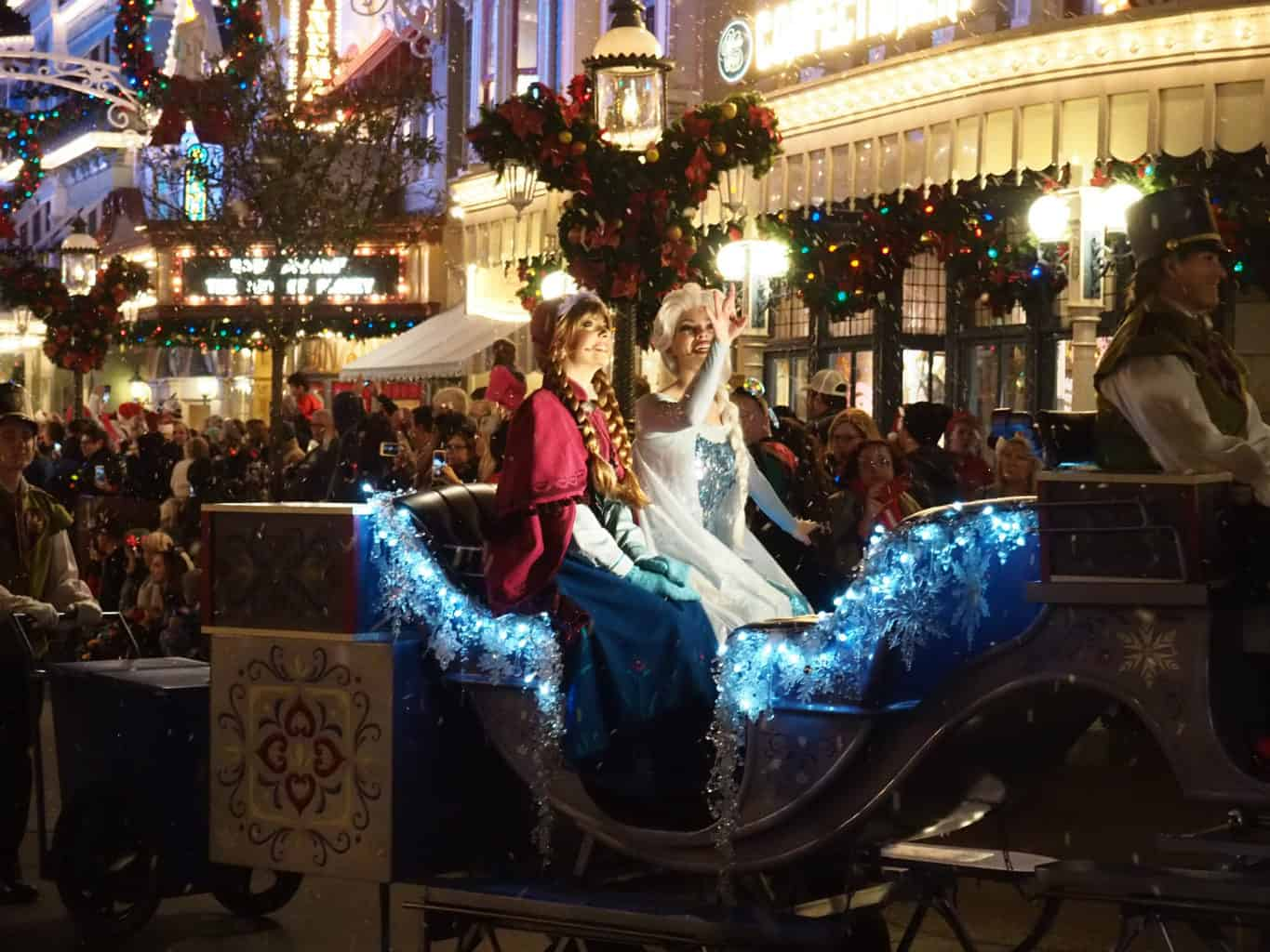 Disney Christmas Parade: A Photo Tour