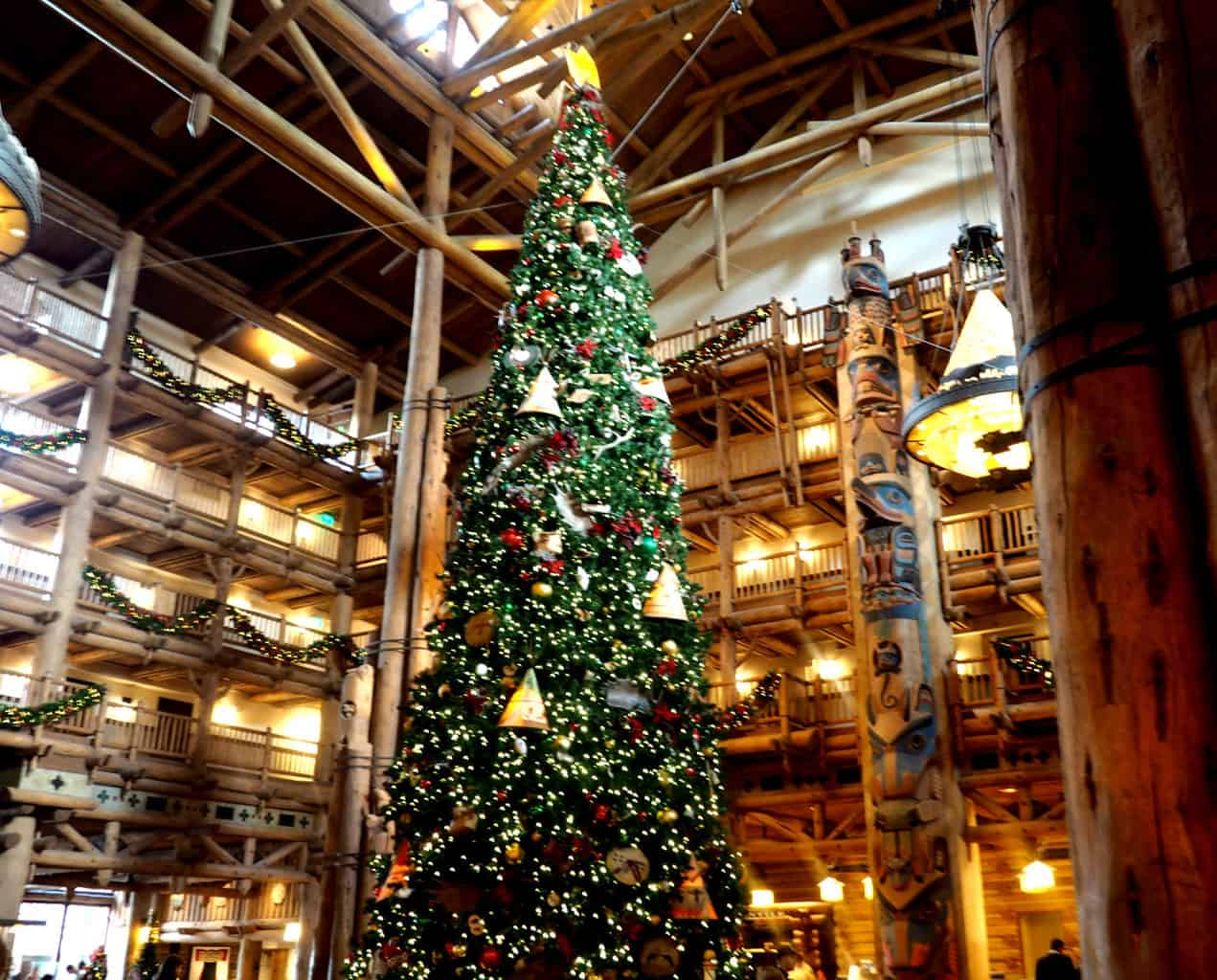 wilderness lodge tree at christmas disney resorts