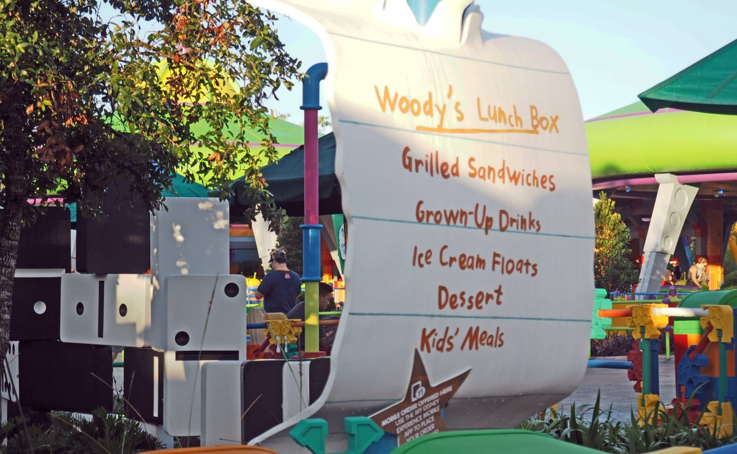 Toy Story Land Woody's Lunch Box at Walt disney World Hollywood Studios Restaurant Review #woodyslunchbox #disneydining #toystoryland