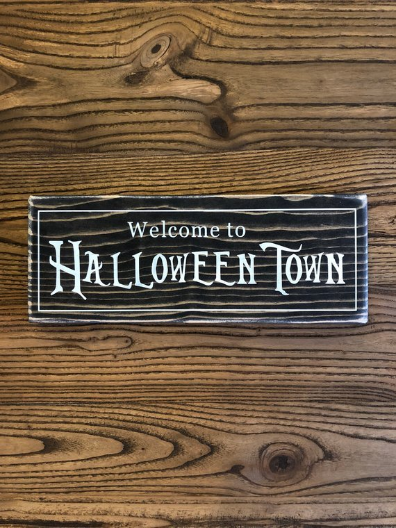 Disney home decor, disney small shop, disney halloween, disney fall, disney halloween home, disney fall home,