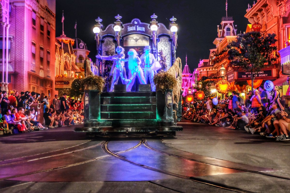Boo to you, boo to you parade, boo to you mnsshp, mnsshp, mickeys halloween party, disney halloween parade, disney boo to you, wdw boo to you, Mickey's Not So Scary Halloween Party, Disney halloween parade, walt disney world parade, boo to you photos, boo to you photo tour