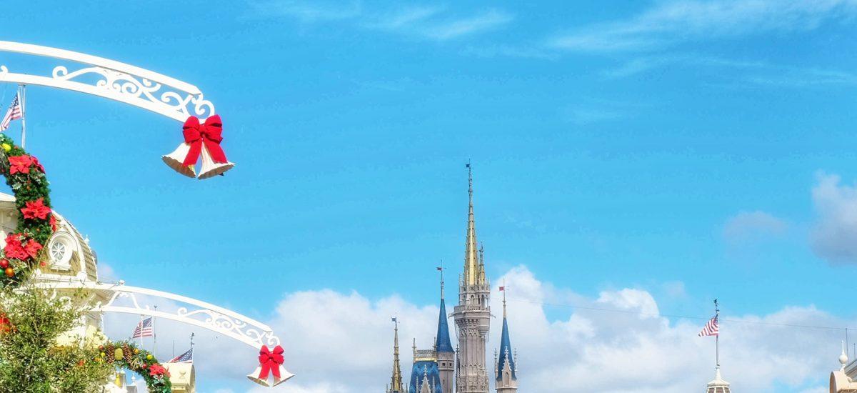 5 festive photo spots at Walt Disney World this holiday season