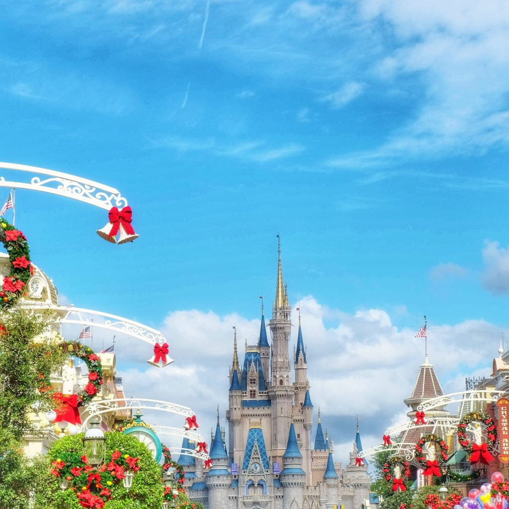 5 Festive Disney World Christmas Photo Ops