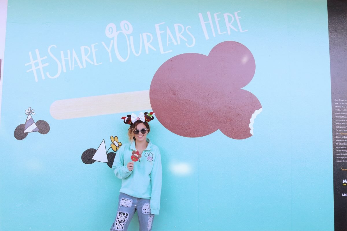 walls of disney, disney wall, #shareyourears, disney world walls, disney world photos