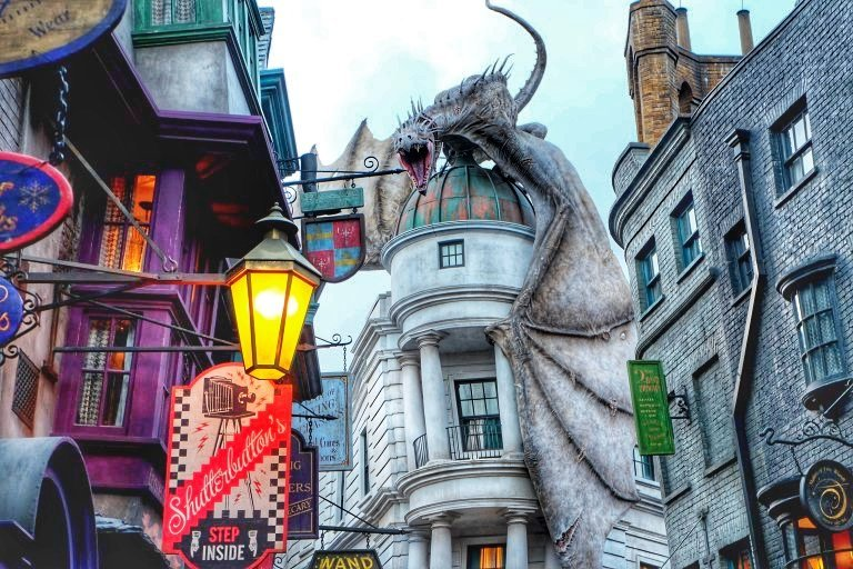 Wizarding World of Harry Potter, harry potter world, harry potter world on a budget, WWHP on a budget, universal studios on a budget, universal studios, universal orlando, orlando theme parks on a budget
