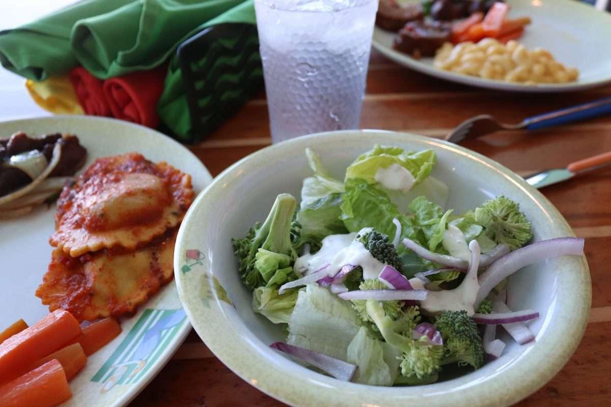 dining on the disney dream, disney cruise line dining, what to eat on a disney cruise, disney dream restaurants