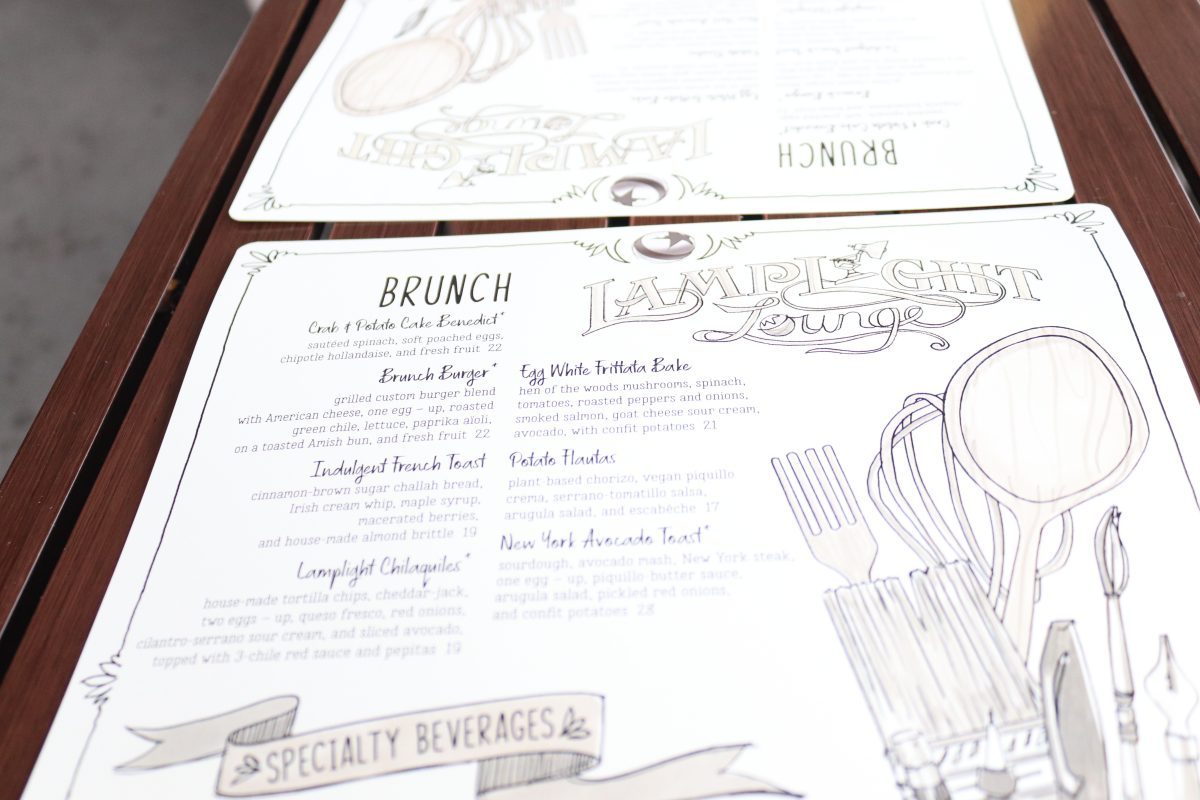 Brunch at Lamplight Lounge, Brunch disneyland, food at disneyland, disneyland brekafast, lamlight lounge, pixar pier