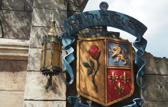 Best Places to Eat at Magic Kingdom and What to Skip