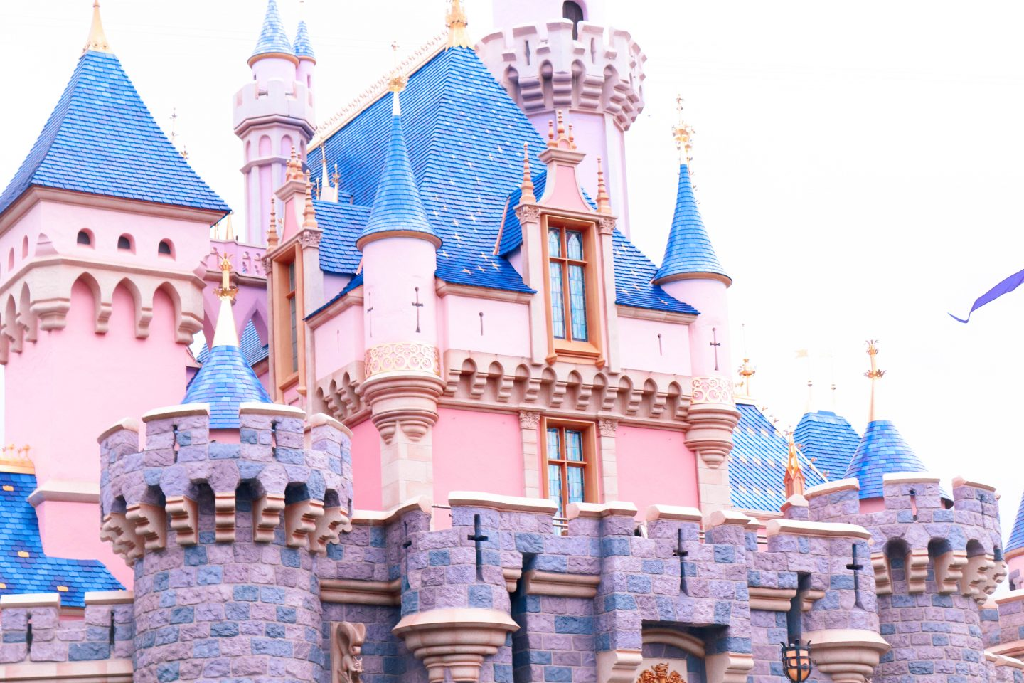 how to plan a disneyland vacation, disneyland family trip, southern california trip, disnyeland for beginners, disneyland trip, disneyland vacation, basics of disneyland