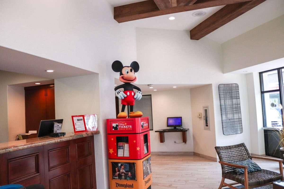 15 Best Hotels in Walking Distance of Disneyland