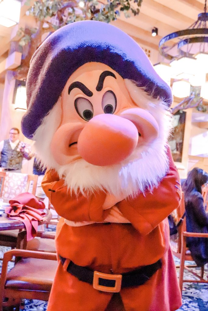 Storybook dining, wilderness lodge, disney dining, disney character dining, snow white dining, artist point, disney dining plan