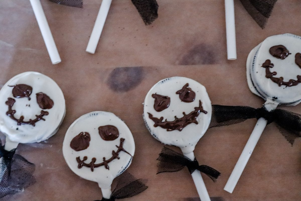 Nightmare before Christmas, nightmare before Christmas movie night, NBC treats, jack Skellington treats, oogie boogie treats, Disney movie night, Disney Halloween movies, Disney Halloween treats
