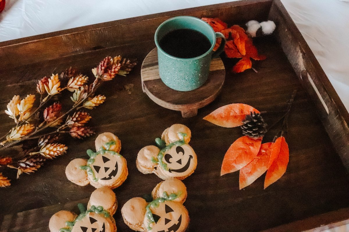 Pumpkin Spice Mickey Macarons, pumpkin spice cookies, pumpkin spice, mickey shaped food