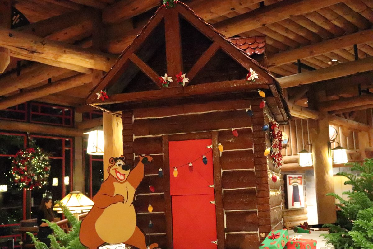 Wilderness Lodge Gingerbread Cabin