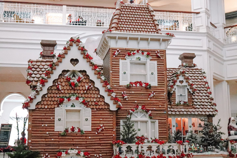 Gingerbread Displays Walt Disney World