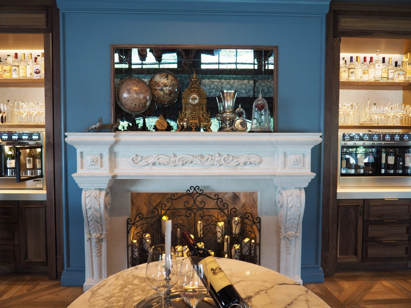 disney's beauty and the beast lounge at the grand floridian enchanted rose