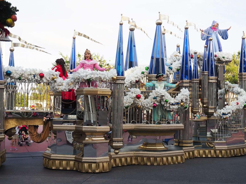 cavalcades at magic kingdom for christmas