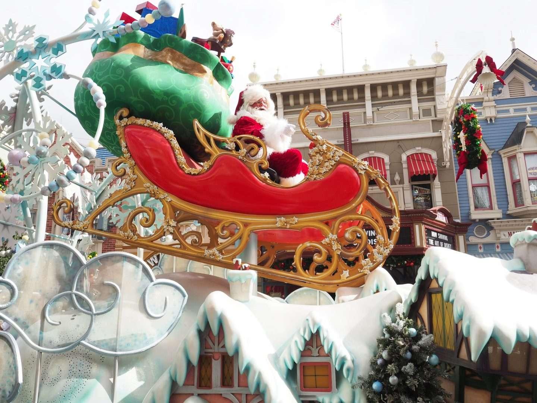 Santa at Walt Disney World Cavalcade