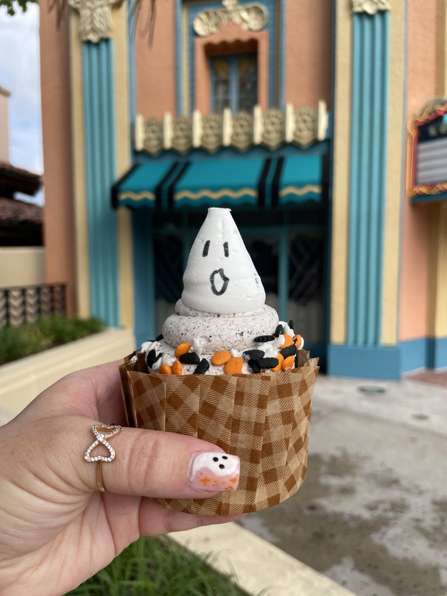 Spooky Ghost Cupcake at Disney Hollywood Studiso